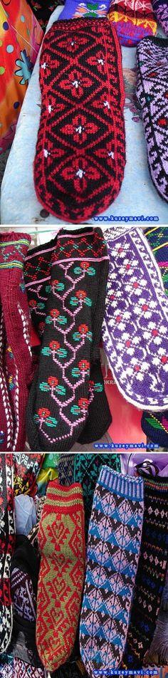 Traditional woollen winter socks for women.  From Hemşin (Rize province), recent work (2010s).