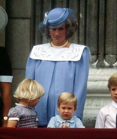 The Princess of Wales, pregnant with Prince Harry, on the balcony with Prince William and Zara and Peter Phillips.