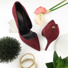 🌞💋3x Host Pick 5/15,9/1💋🆕Burgundy Pumps Burgundy red faux leather pumps with clean cut design and a gold finish at the top heel. The insole and sole are black. Very stylish shoe.   Measures  Heel: 12cm  ▪️NWT (without box) 🚫No Trade Wild Diva Shoes Heels