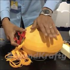 Cool Gadgets To Buy, Cool Kitchen Gadgets, Kitchen Hacks, Cool Kitchens, Cooking Videos, Cooking Tips, Cooking Recipes, Refrigerator Pickles, Tasty Videos