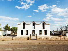 Marfa architecture and design tour shines spotlight on desert living