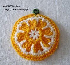 オレンジのエコたわし♪の作り方|編み物|編み物・手芸・ソーイング|アトリエ|手芸レシピ16,000件!みんなで作る手芸やハンドメイド作品、雑貨の作り方ポータル Crochet Home, Love Crochet, Crochet Motif, Crochet Flowers, Crochet Stitches, Crochet Patterns, Crochet Potholders, Quilling Techniques, Hand Knitting