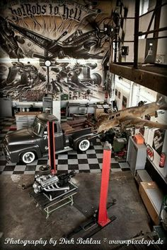 Ultra cool garage