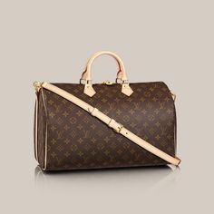 Speedy Bandoulière 40 Monogram Canvas Capture traditional Louis Vuitton style with the Speedy Bandoulière 40 in Monogram canvas. Adorned with sumptuous natural cowhide leather trimmings  its multi-carry options add a modern twist.