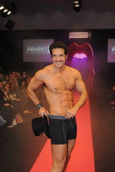 Presença do ator Carlos Machado