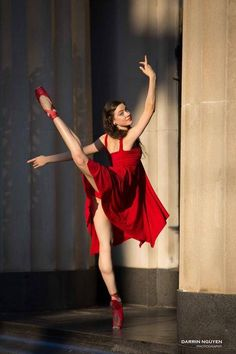 ballet-in-a-football-field:  Rachel Kivlighan.By Darrin Nguyen Photography