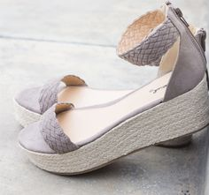 ~~~~these grey espadrilles are perfect!  Want!   Try stitch fix and ask your personal stylist for these  shoes! Stitch fix spring and summer 2017 #afflilatelink