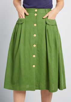 This green midi skirt from our ModCloth namesake label is an easy pairing for feminine blouses, retro graphic tees, and just about any other separate. Black Midi Skirt, Pleated Skirt, High Waisted Skirt, Waist Skirt, Pantalon Bleu Marine, Mein Style, Mode Chic, Black Girl Fashion, Ladies Dress Design