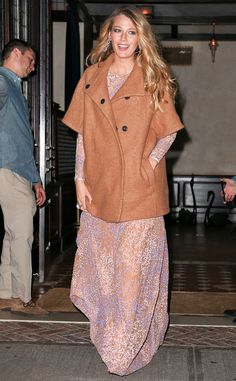 rs_634x1024-141016185614-634.Blake-Lively-Pregnant-NYC.ms.101614