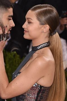 Browse the Vogue edit of the best red carpet beauty from the Met Ball All the celebrity hairstyles and make-up looks from the Met Gala Gigi Hadid And Zayn Malik, Classy Couple, Red Carpet Hair, Hair Styles 2016, Celebs, Celebrities, Celebrity Hairstyles, Her Hair, Celebrity Style