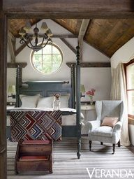 rustic country bedroom - beautiful four post bed