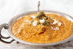 Thermomix Beef Curry is an easy curry recipe which is every bit as good as your favourite Indian Restaurant. Simple ingredients in the Thermomix. Indian Fish Recipes, Fried Fish Recipes, Cooking Curry, Indian Cookbook, Beef Curry, Curry Dishes, Chutney Recipes, Low Calorie Recipes, Curry Recipes