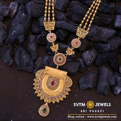 Adorn yourself with this beautiful yellow gold long necklace embellished with semi uncut, fancy, and kundan stones. Antique Jewellery Designs, Gold Jewellery Design, Antique Jewelry, Gold Jewelry, Gold Necklace, Pendant Necklace, Gold Designs, Gold Earrings Designs, Necklace Designs