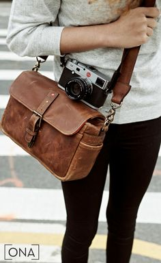 Premium camera bags and accessories, handcrafted from the finest materials. Shop the ONA collection and enjoy free U. accessories brown The Bowery Fashion Moda, Fashion Bags, Mens Fashion, Photography Tips, Inspiring Photography, Photography Equipment, Photography Tutorials, Creative Photography, Digital Photography