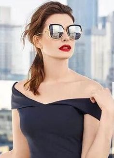 What Fans Should Know About Anne Hathaway - Celebrities Female Anne Hathaway, Anne Jacqueline Hathaway, Katharine Isabelle, Female Stars, Famous Women, Woman Crush, Hollywood Actresses, Beautiful Actresses, American Actress