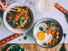 NATUVIINIT JA KOREALAISET KIMCHINUUDELIT Tofu Marinade, Kimchi, Ethnic Recipes, Food, Essen, Meals, Yemek, Marinated Tofu, Eten