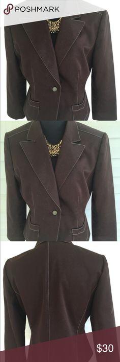 Tailored made Tahari Blazer Tahari blazer will the button closures fully lined. Measurements shell 63% cotton 34%polyester 3%spandex Measurements  Bust 42 Waist 36 Tahari Jackets & Coats Blazers