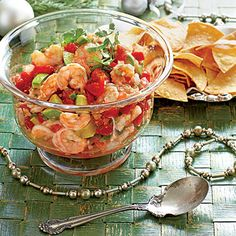 Mexican Shrimp Cocktail - Top-Rated Holiday Appetizers - Southern Living - Recipe: Mexican Shrimp Cocktail This fresh, colorful swap for creamy shrimp dip was inspired by reader Carolyn Coleman. Finger Food Appetizers, Holiday Appetizers, Appetizer Recipes, Party Appetizers, Hawaiian Appetizers, Appetizer Ideas, Healthy Appetizers, Party Snacks, Holiday Recipes