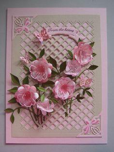 Die Blümchen sehen wundervoll aus - Kombination aus voller Blüte und Blütenrahmen