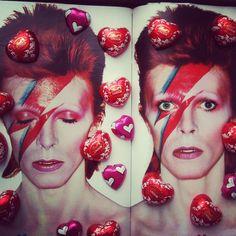 Photo by monikamandoki Ziggy Stardust, Bowie, Halloween Face Makeup, Instagram Posts