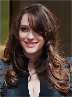 Kat Dennings with a bit of cle. is listed (or ranked) 8 on the list Hot Kat Dennings Boobs Pics Kat Dennings, Beautiful Celebrities, Most Beautiful Women, Non Blondes, 2 Broke Girls, Long Hair With Bangs, Popular Haircuts, Hairstyles With Bangs, Hair Cuts