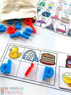Activities to teach CVC words. Students identify the beginning sound of each picture to spell the CVC word. Then they match the picture to the word!