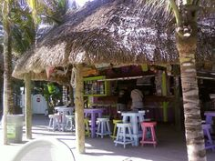 My favorite bar in Jupiter Florida...great live music and good people at the Square Grouper.