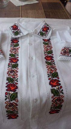 White Shorts Cross Stitch Crochet Dresses Fashion Step By Step Crossstitch Shirts Needlepoint Drawn Thread, Needlepoint, White Shorts, Fashion Dresses, Cross Stitch, Spring Summer, Crochet Dresses, Costumes, Embroidery