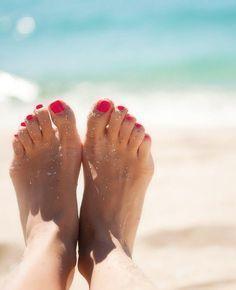 Pedicure Diy Makeup Ideas For 2019 Pedicure Colors, Pedicure At Home, Manicure And Pedicure, Foot Pedicure, Wedding Manicure, Pedicure Ideas, Diy Beauty, Beauty Hacks, Beach Please