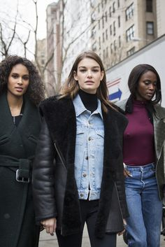 Model behaviour on the streets os NYFW, with cinched coats and layers aplenty
