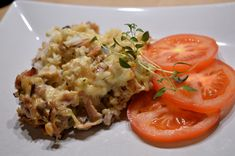 Ris- & baconlåda med vitlök Baked Potato, Risotto, Sausage, Food And Drink, Rice, Pasta, Favorite Recipes, Lunch, Chicken