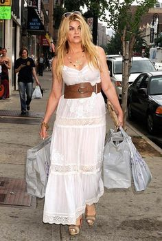 Kirstie Alley Shopping