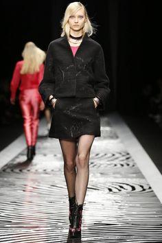 Shiatzy Chen Ready To Wear Fall Winter 2014 Paris - NOWFASHION