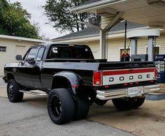 Just finished the wax'n😎 Cummins Diesel Trucks, Dodge Ram Diesel, Dually Trucks, Dodge Cummins, Dodge Dually, Mopar, Lifted Cummins, Dodge 2500, Pickup Trucks