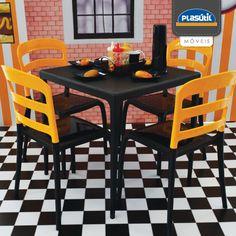 Crie um ambiente mais moderno e alegre com as cadeiras coloridas Plasútil, misture cores e formas e personalize sua cozinha.