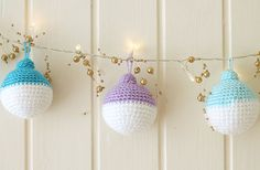 Crochet Christmas Ornaments - Step-by-Step Instructions with Photos (so many photos!) - On my to-do list for Christmas!