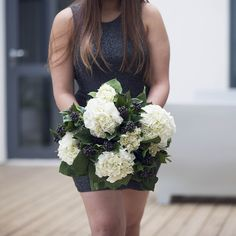 The most unbelievably realistic faux flowers you'll ever find in London Just taking some of them home #happydays #homedecor #homeinterior #takemehome #bestfake #hydrangea #ivy #londonflowers #fauxflowers #silkflowers #london #londonflorist #flowerbouquets #luxuryflowers #interiors #interiordesign #interiordesigners #florist #homestyling #homeaccesories