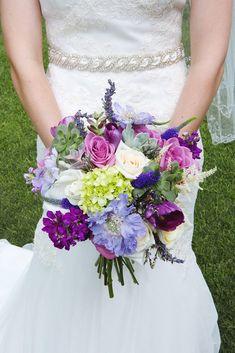 Floral-filled-wedding-brides-flowers.jpg (683×1024)