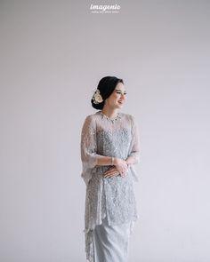 Kebaya Modern Hijab, Dress Brokat Modern, Model Kebaya Modern, Kebaya Hijab, Kebaya Muslim, Malay Wedding Dress, Kebaya Wedding, Muslimah Wedding Dress, Elegant Wedding Dress