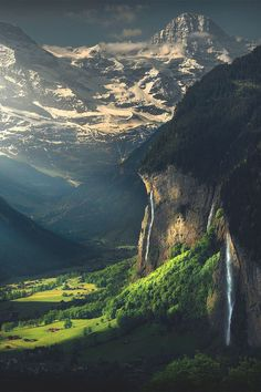 Divine...just how beautiful the rays are filtering non to the mountains...