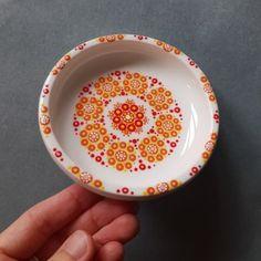 Dot Painting, Dots, Tableware, Creative, Mandala, School, Design, Pointillism, Stitches