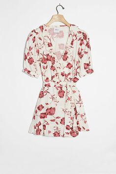 Shop Anthropologie's latest selection of new dresses, from maxi to midi dresses. Shop floral & lace for spring dresses, summer dresses, fall dresses, & winter dresses. Floral Midi Dress, Floral Dresses, Dress Silhouette, Unique Dresses, Dress Brands, Dresses Online, New Dress, Dress Outfits, Floral Prints