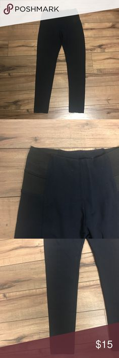 Zara Navy Leggings. size M. EUC Zara basic. Navy leggings with black elastic hips. Thick leggings with a hem line down the center of both legs. I wasted.Approximately 25 inch inseam. Size medium. Excellent condition Zara Pants Leggings
