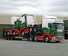 "Stobart's ""piggy backing !."" Cool Trucks, Big Trucks, Eddie Stobart Trucks, Benne, Car Carrier, Road Train, Fan Picture, Volvo Trucks, Heavy Truck"