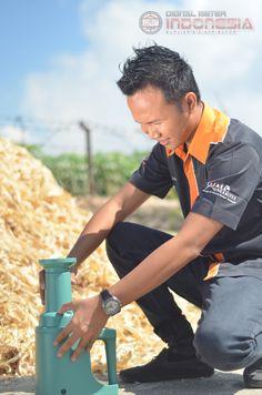 Instruments penguji ini sering kali sebagai alat pembanding yang lainnya dan bisa dikatakan raja tester kadar air di kategori moisture meter dengan rata-rata instruments moisture meter yang mempunyai range 0-40%