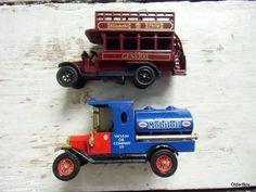 Vintage TRUCKs ford  model T matchbox vintage ford mobiloil oxford diecast buckingham palace general bus diecast mobiloil general bus D00
