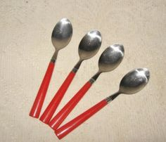 4 Vtg Red Handle Stainless Spoons ~ Kitchy Kitchen Serving Flatware Utensils ~ nice Vintage Touch  $5.00  http://deannamoyers.ecrater.com/p/18552473/4-vtg-red-handle-stainless-spoons