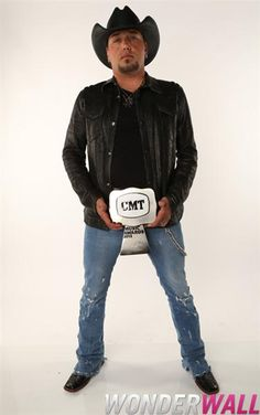 Jason Aldean poses at Wonderwall's exclusive photo booth backstage at the 2012 CMT Music Awards in Nashville, Tenn., on June 6, 2012.
