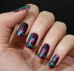 Karinas Tartan Nails mit LEIGHTON DENNY.