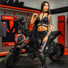 Biker Chicks Archives - Page 19 of 70 - Ride Free. Female Motorcycle Riders, Motorbike Girl, Motorcycle Outfit, Motorcycle Girls, Lady Biker, Biker Girl, Ducati Monster, Biker Chick Outfit, Hot Bikes